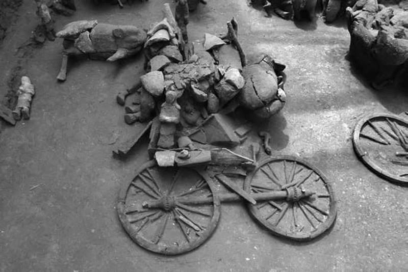 Солдаты и кавалеристы недавно открытой армии гораздо меньше, чем Терракотовой армии Терракотовая армия, археологи, китай, находка, раскопки